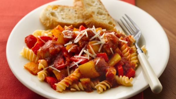 Slow-Cooker Italian Sausage and Peppers with Rotini